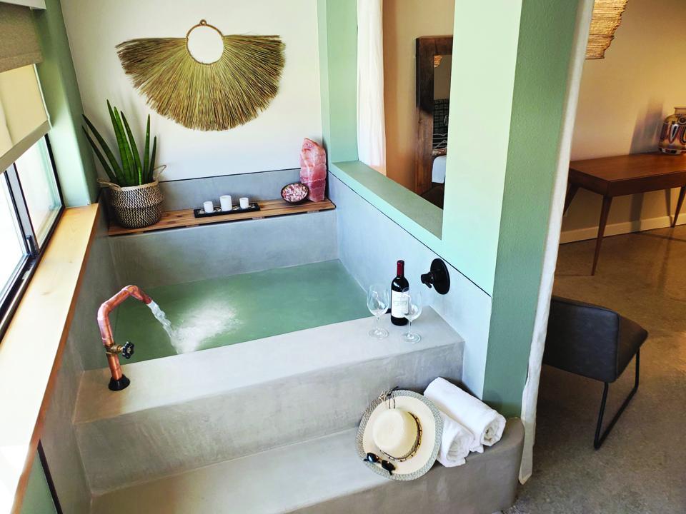 Bathtub in hotel in Palm Springs