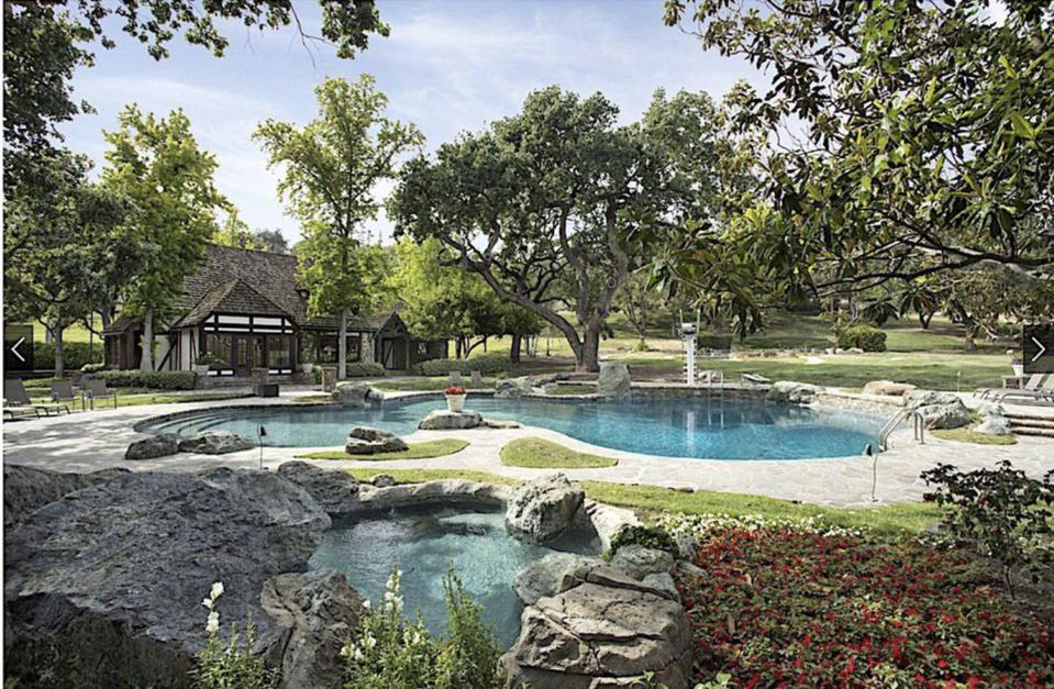 Michael Jackson, Neverland, Neverland Ranch, Michael Jackson Neverland  Ranch sells for $22 million