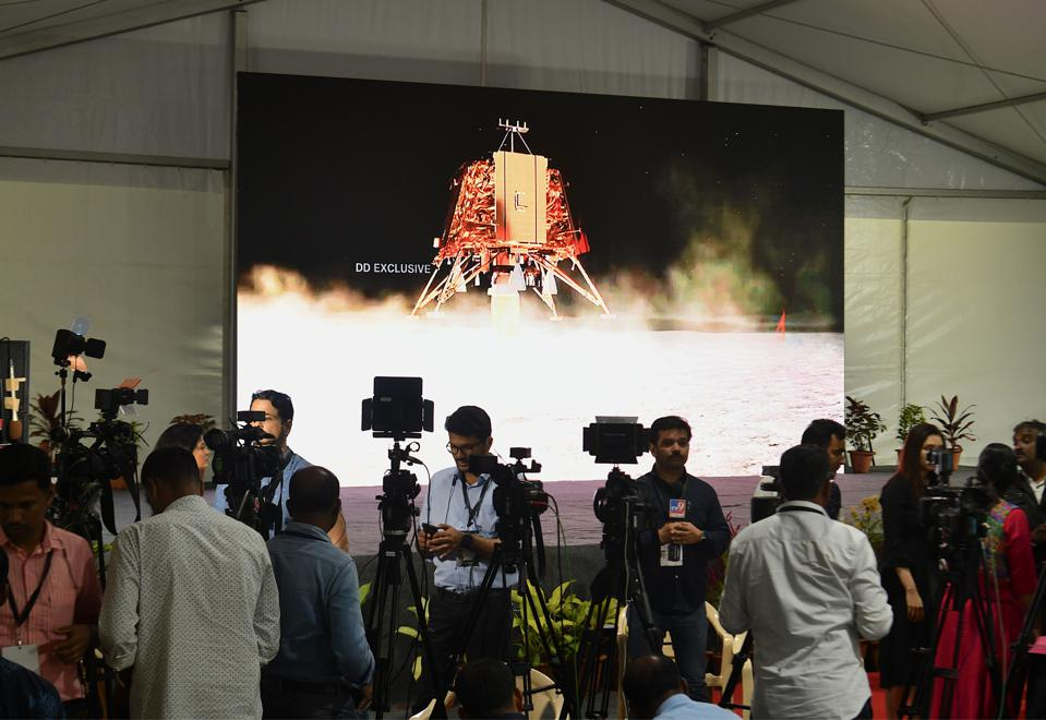 TOPSHOT-INDIA-SPACE-MOON-EXPLORATION