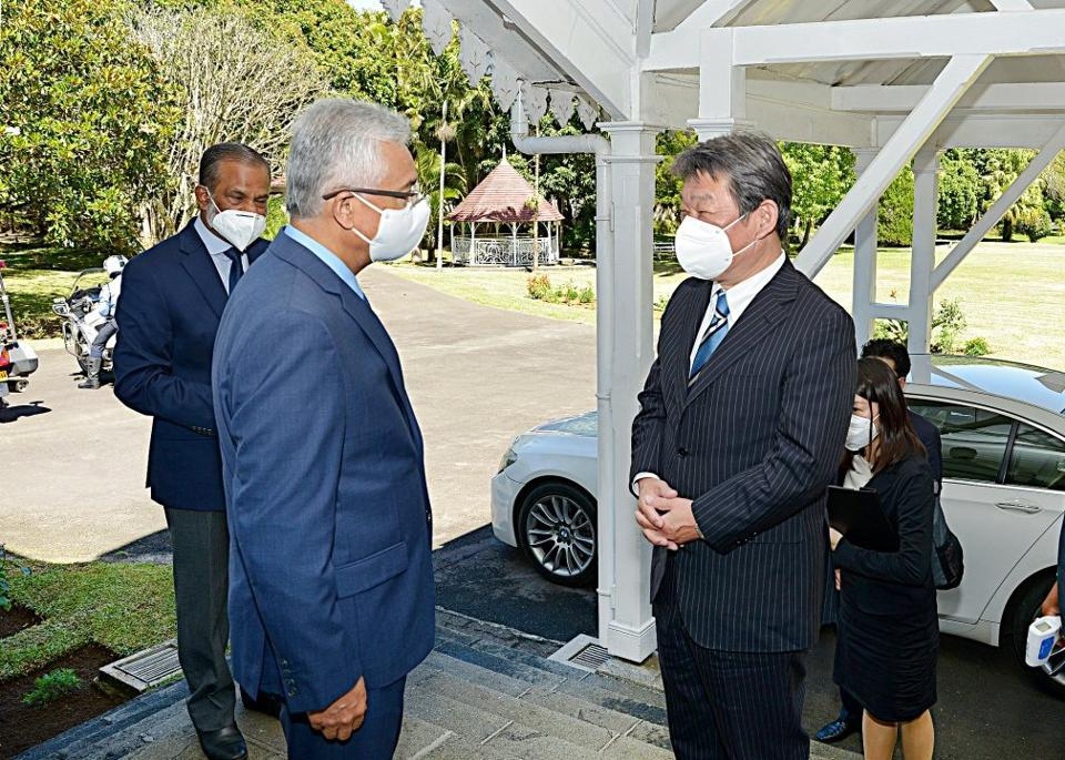 A series of secretive deals were agreed between Japanese Foreign Minister, Toshimitsu Motegi and Mauritius Prime Minister Pravind Jugnauth during the visit to Mauritius on Sunday 13 December. The details are yet to be made public.