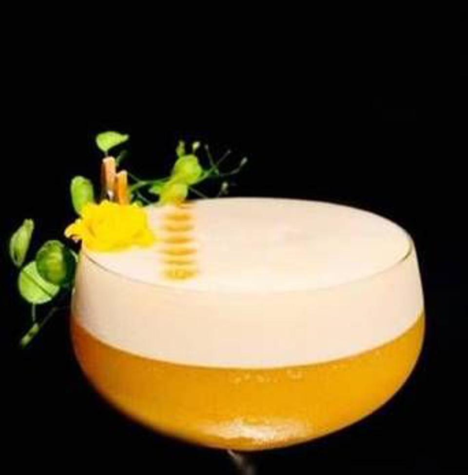 Gold champagne cocktail.