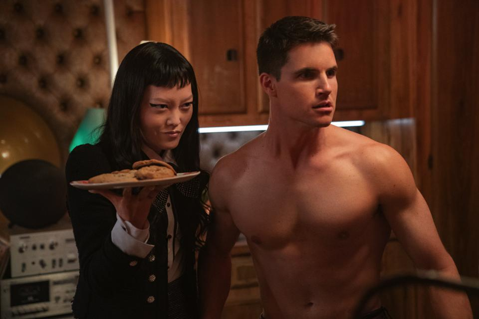 Hana Mae Lee and Robbie Amell in the Netflix movie