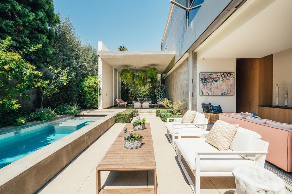 Emilia Clarke, Venice, California, Game of Thrones, actress, real estate