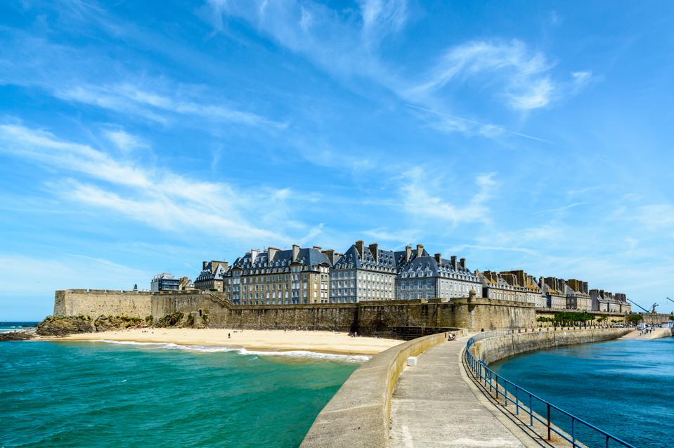 Saint-Malo france live abroad move overseas quit your job