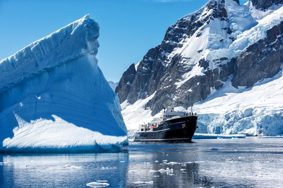 Y.CO managed motor yacht Legend in Antarctica