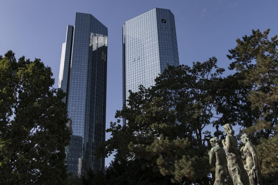 File FinCEN Menunjukkan Para Eksekutif Deutsche Bank Diperingatkan Atas Pencucian Uang Skala Besar