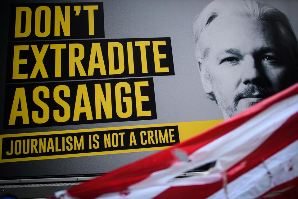 Some can argue whether Julian Assange led a hacking terrorist organization or a journalist ... but the US government lost a big decision to get him extradited to stand trial in Virginia.