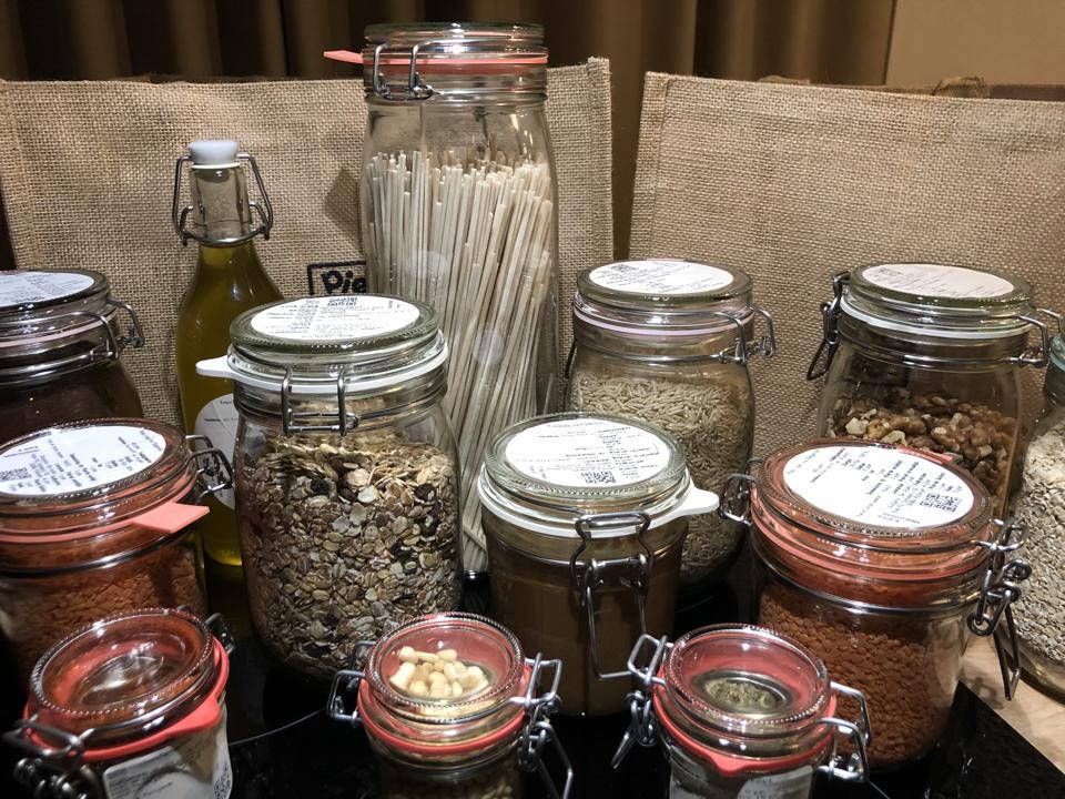 Pieter Pot's pots and bags