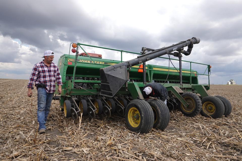 American Farmers Begin Growing Season During Coronavirus Lockdown