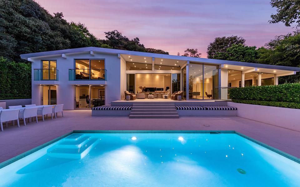 Midcentury Modern-stle home in Bel-Air