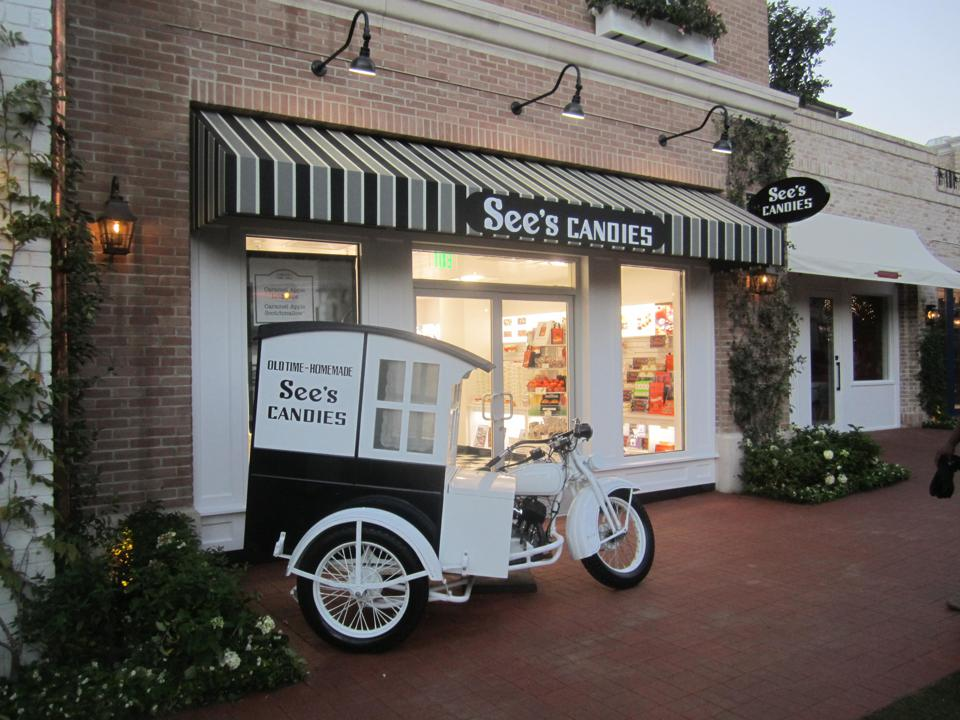 See's Candies exterior.