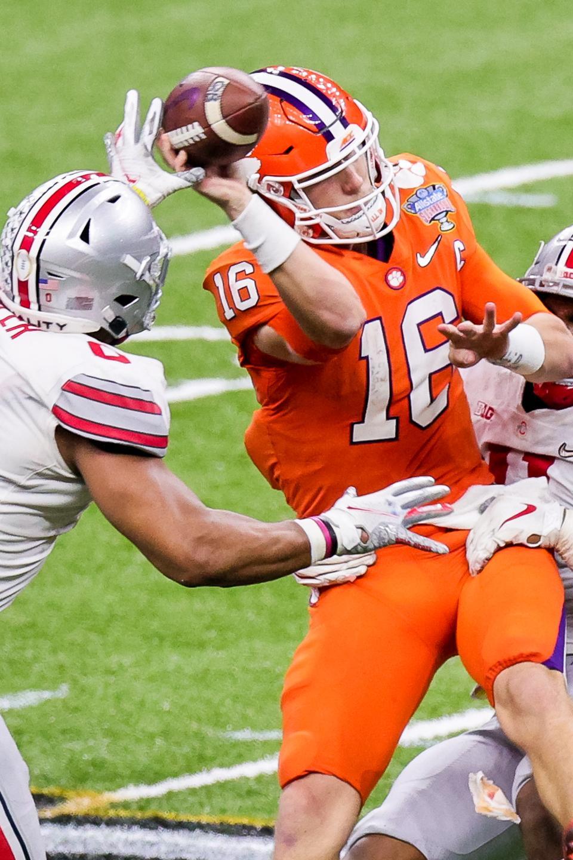 Ohio State Tyreke Smith sacks Clemson Tigers quarterback Trevor Lawrence