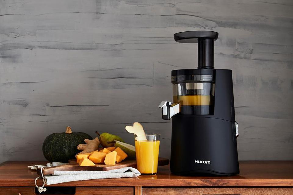 What Exactly is a Slow Juicer?