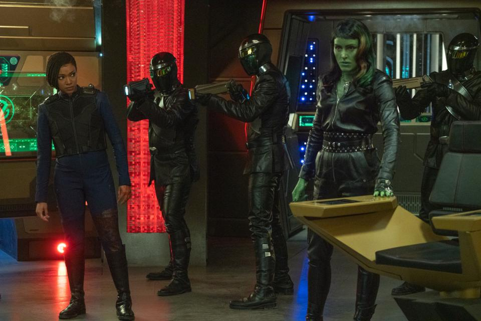 Sonequa Martin-Green, left, and Janet Kidder star in the Star Trek: Discovery episode, ″The Hope That is You, Part 2″
