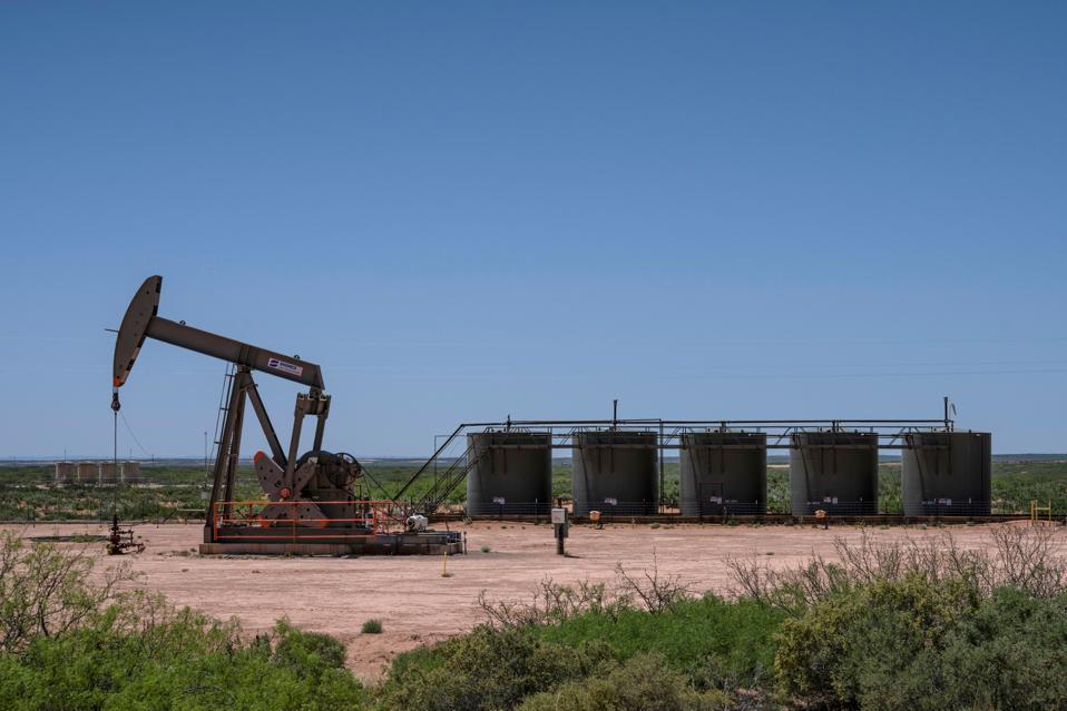 US-HEALTH-VIRUS-OIL-ENERGY