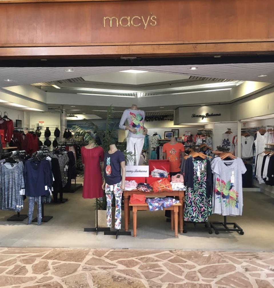 Macy's closing Maui