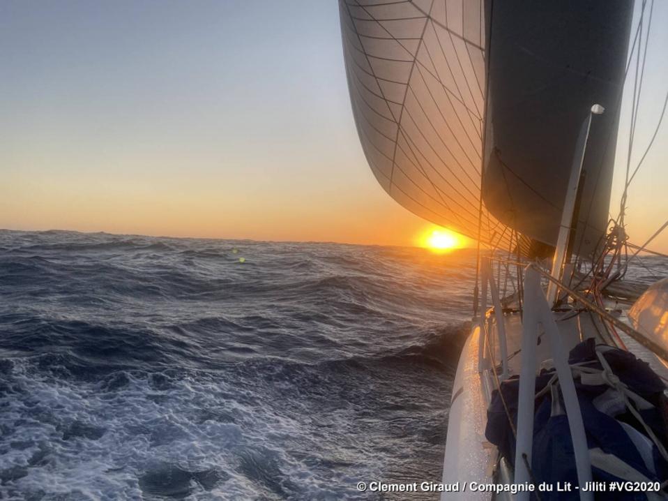Sunrise from boat Compagnie du Lit - Jiliti