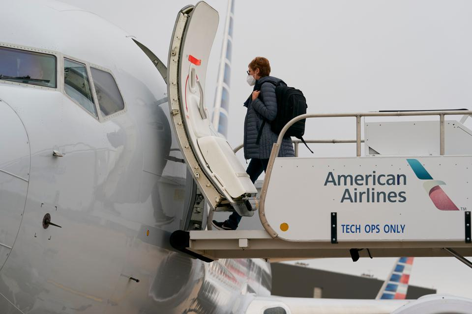 US-AVIATION-ACCIDENT-BOEING-AMERICANAIRLINES