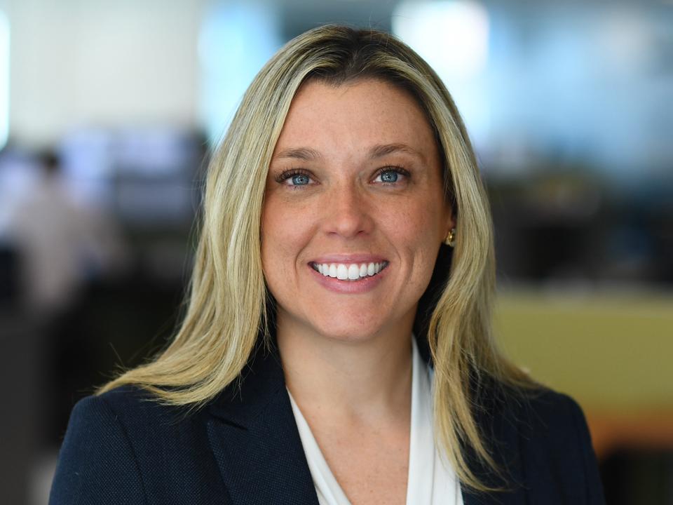 Headshot of Lisa Vazquez