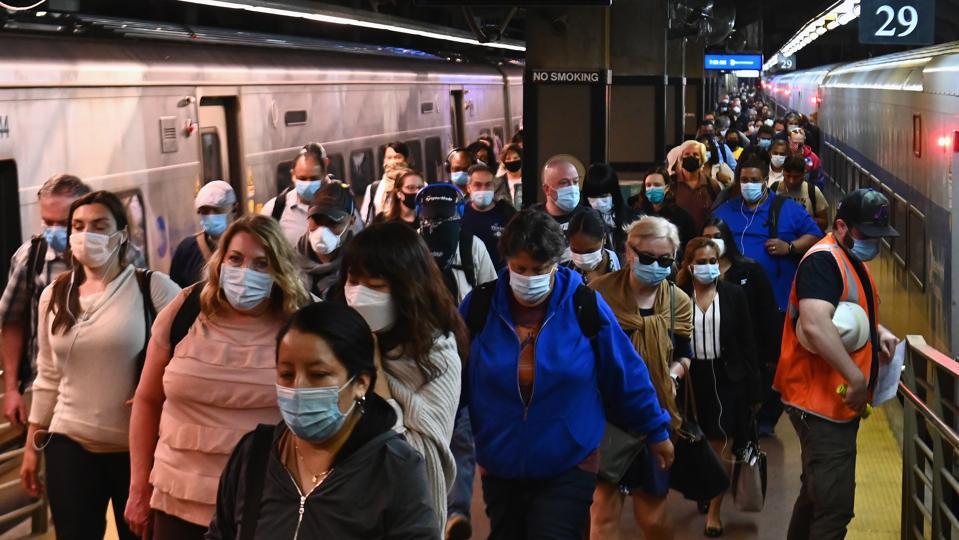 US-HEALTH-VIRUS-LIFESTYLE-TRANSPORT