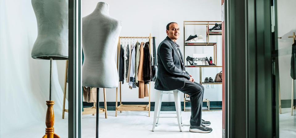 The shopping app, created in 2010 by former Silicon Valley engineer Manish Chandra, is making its public debut with 32 million active users it spent heavily to acquire.