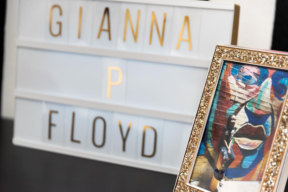 Gianna P. Floyd decor