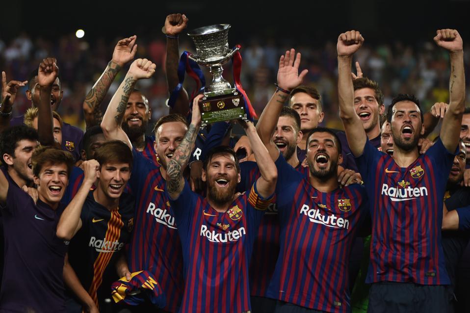 El FC Barcelona se enfrentará a la Real Sociedad en las semifinales de la Supercopa de España el miércoles.
