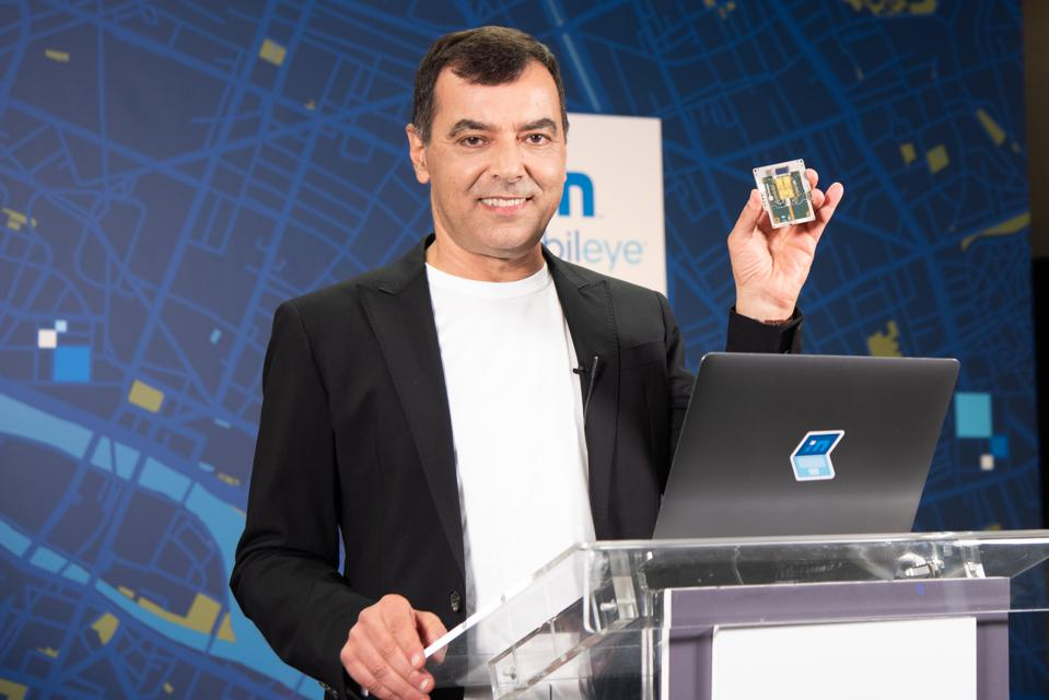 Mobileye CEO Dr. Amnon Shashua shows off prototype of new frequency modulated continous wave lidar sensor