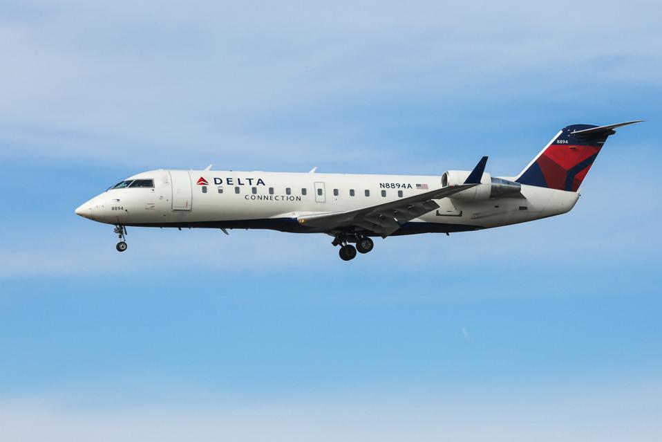 Delta Air Lines Bombardier CRJ 200 Landing In New York