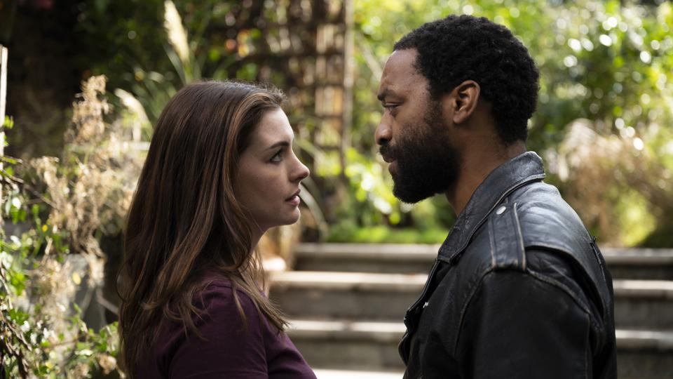 Anne Hathaway and Chiwetel Ejiofor in 'Locked Down'