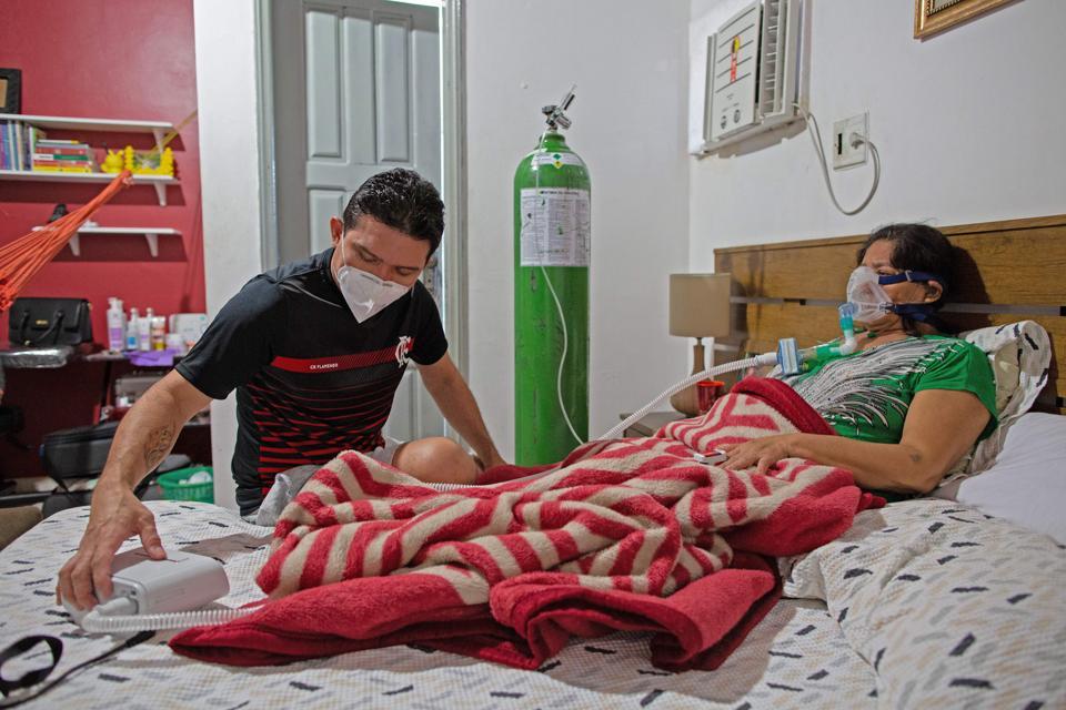 BRAZIL-HEALTH-VIRUS-HOSPITAL-BEDS-SHORTAGE