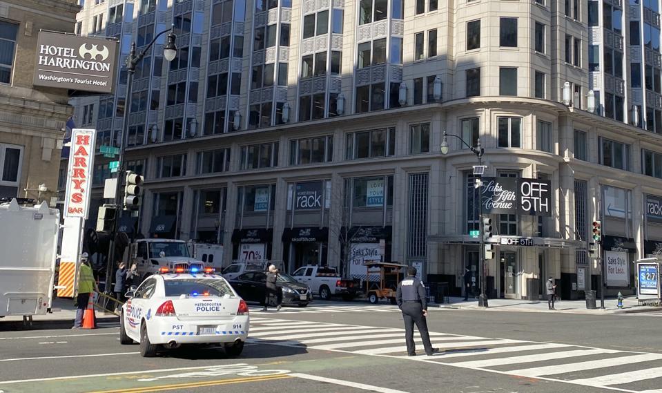 Downtown Washington police