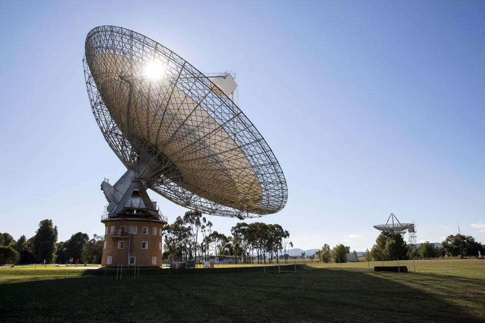 Radio telescope in Parkes, NSW