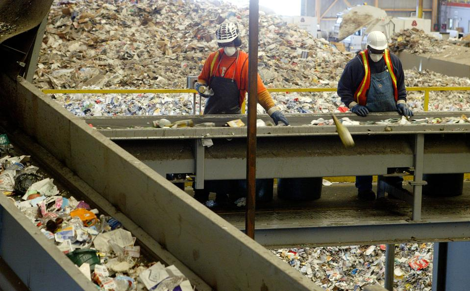 Plastic recycling material recovery facility