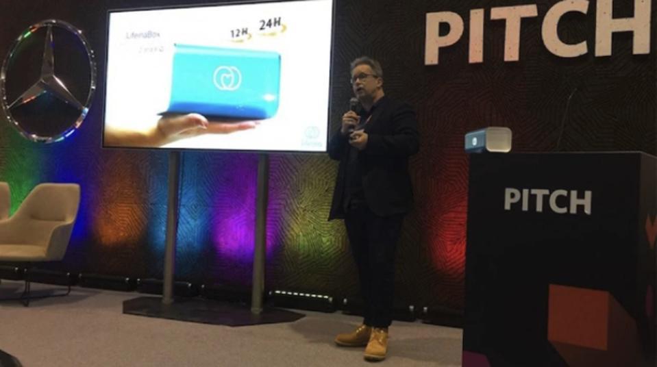 Entrepreneur Uwe Diegel successfully pitching his startup