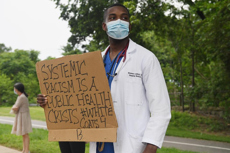 Missouri Healthcare Workers Join Anti-Racism Protests