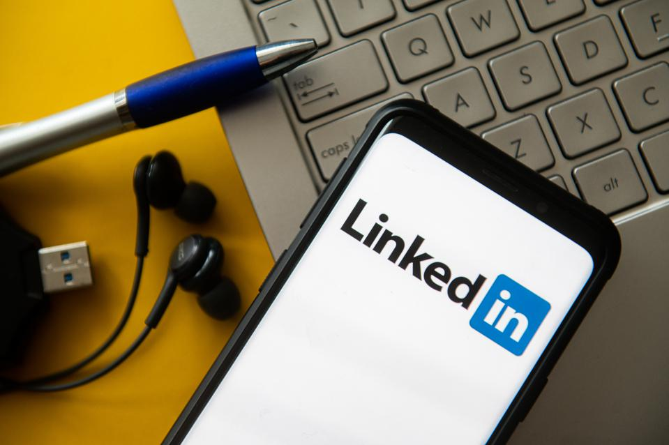 Recruiters use LinkedIn to find candidates but do not call everyone