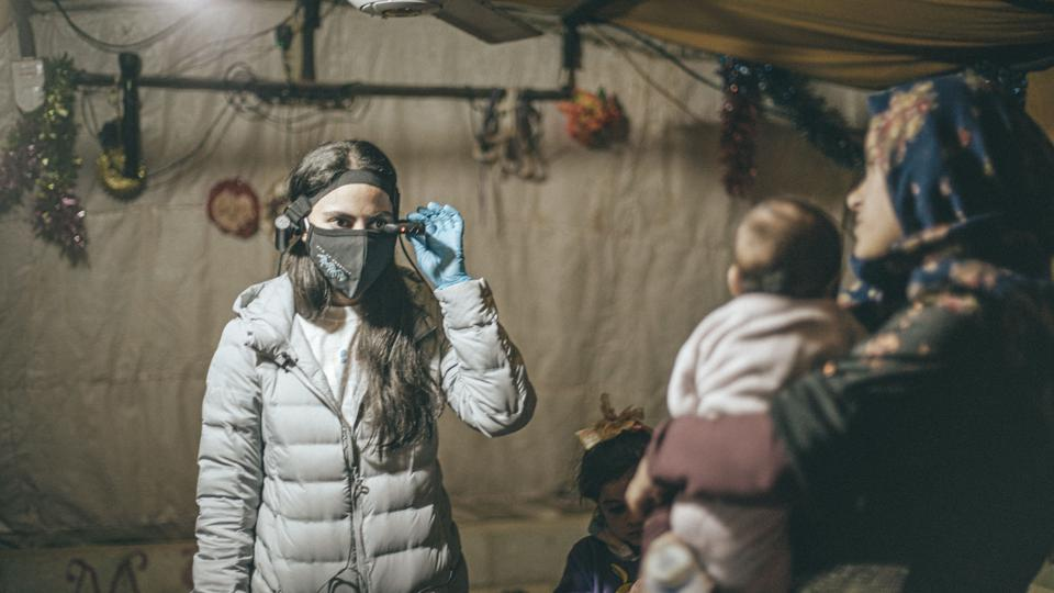 Smart glasses help doctors reach patients at Jordan-Syria border.