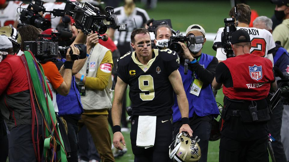 Drew Brees during the New Orleans Saints' loss to the Tampa Bay Buccaneers in the playoffs