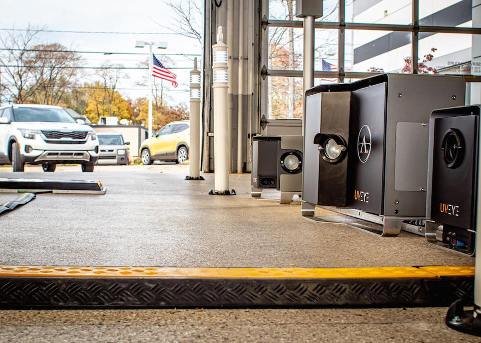 UVeye's stations can be used at dealer or fleet service departments.
