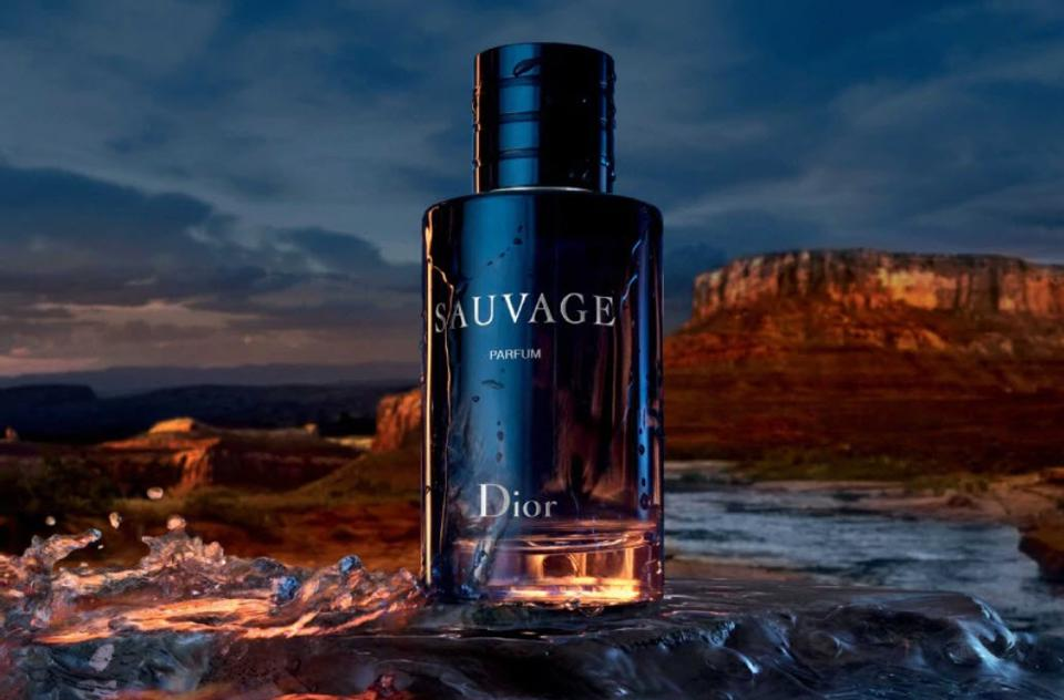 A new, highly concentrated interpretation of Sauvage, melding extreme freshness with warm oriental tones and wild beauty that comes to life on the skin.