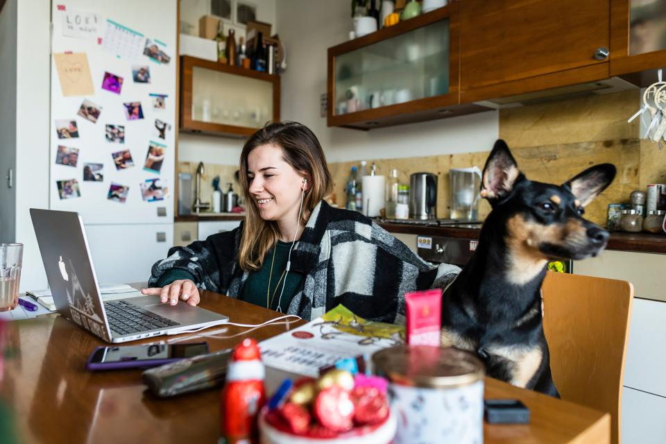 Anna Brymora, a high school teacher is seen providing online lessons for her class from the kitchen of her apartment on January 18, 2021. (Photo by Wojtek RADWANSKI / AFP) (Photo by WOJTEK RADWANSKI/AFP via Getty Images)