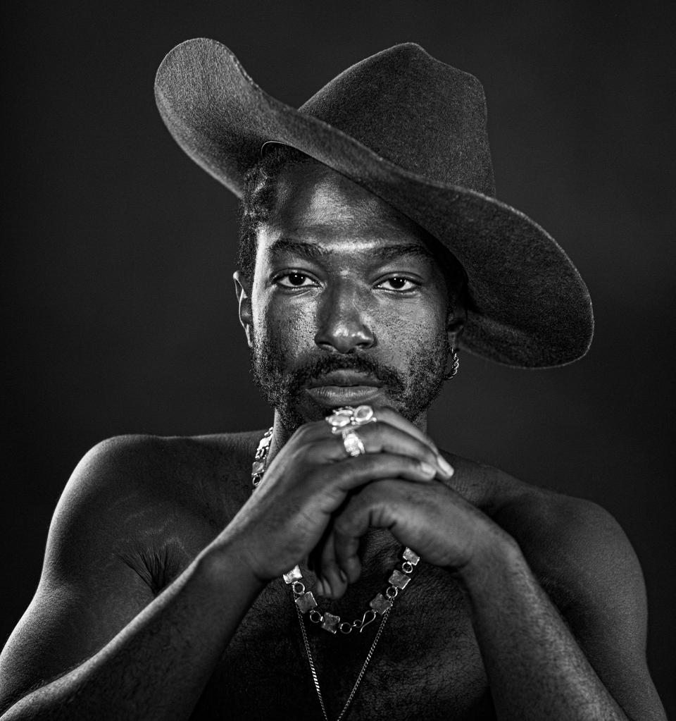 Willie Jones' debut country album 'Right Now' is a genre-bending production.