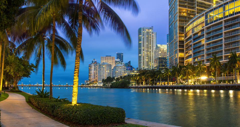Miami, Downtown District at dusk