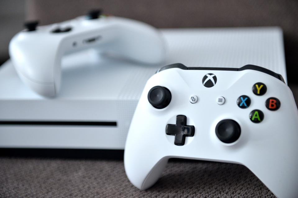Xbox One X in White With Controllers