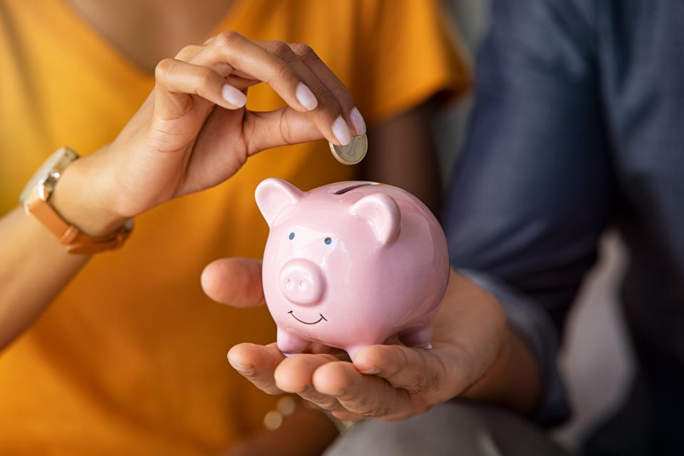 Many families plan to take the ″Frugal February″ challenge to help get their finances in order