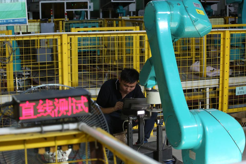 Testing for Foxconn's industrial robots ″Foxbot″ are performed at Foxconn factory in Longhua town, Shenzhen. 20JUL16 SCMP/Nora Tam
