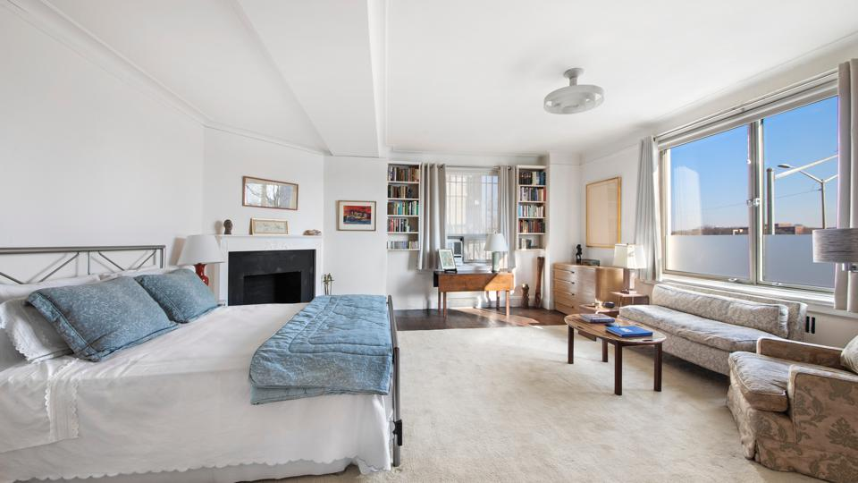 bedroom in yorkville apartment 1 east end ave nyc