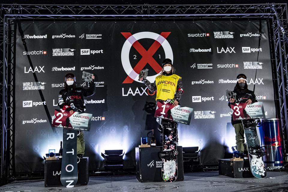 Chloe Kim (center) at the top of the 2021 Laax Open halfpipe podium in Switzerland.