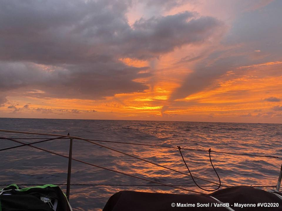 Ocean sunset view from boat VandB - Mayenne
